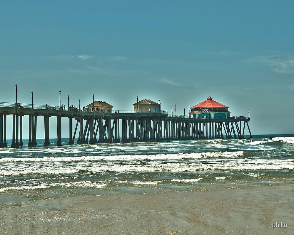 Pier at Huntington Beach. by philw
