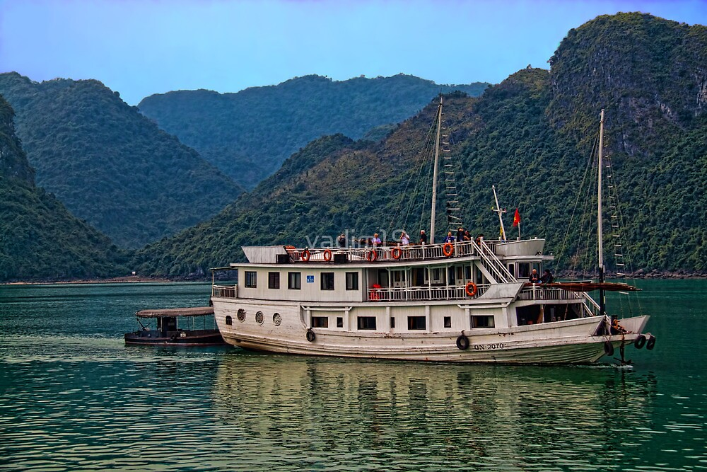 Vietnam. Halong Bay. Boat. by vadim19