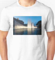 Crescendo - the Glorious Fountains at Bellagio, Las Vegas Unisex T-Shirt