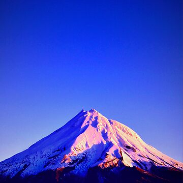 Mount Taranaki by lisa-jayne