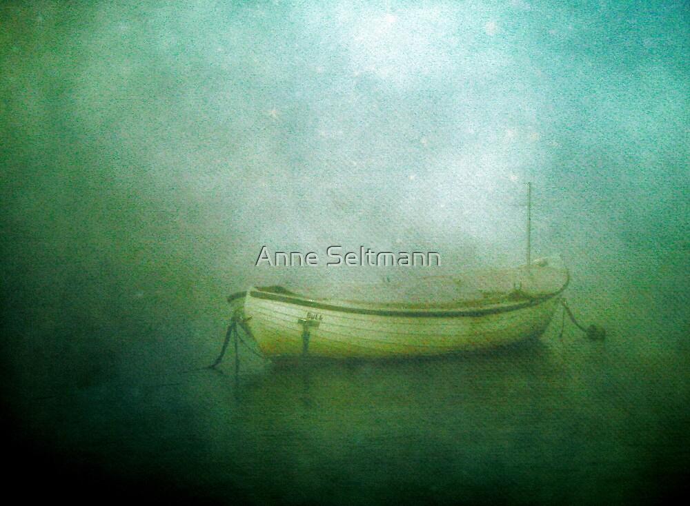 Sound of the sea in lonely bays by Anne Seltmann