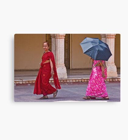 Indian ladies visiting the City Palace in Jaipur Canvas Print