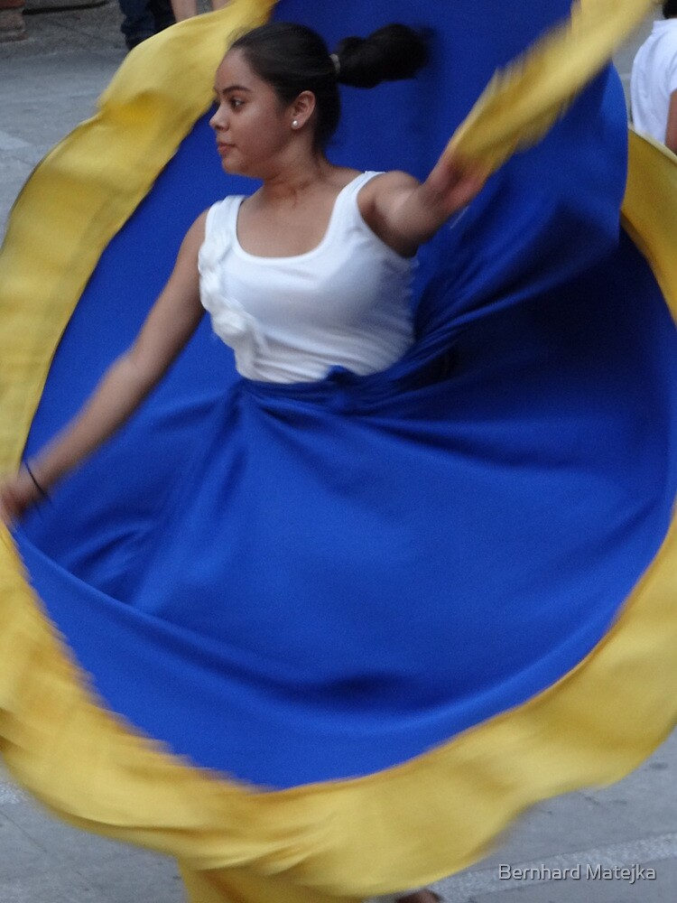 karenzua - movement in blue and yellow - karenzua - movimiento en azul y amarillo by Bernhard Matejka