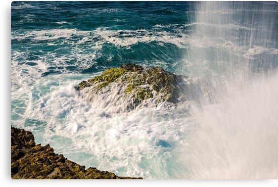 Breaking Wave at La Chocolatera, Ecuador by Paul Wolf