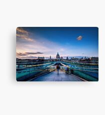 St Paul from millenium bridge Canvas Print