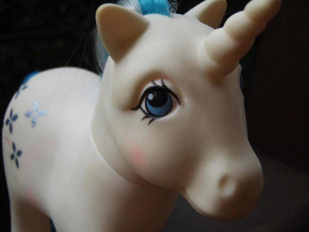 Majesty by unicorngirl