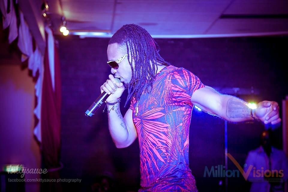 Flavour-Concert in Perth 2013  by Mirene Igwabi