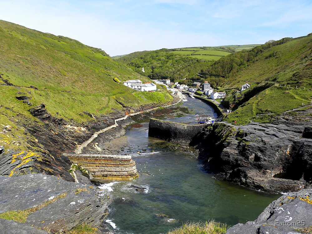 Boscastle Harbour by Fattom25