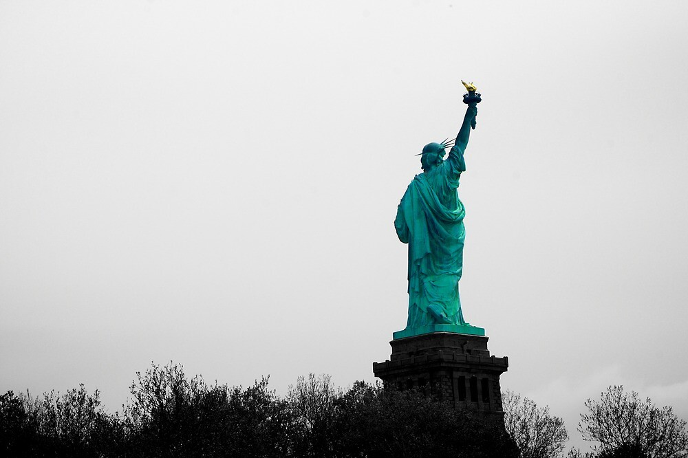 Liberty from behind by PlanetFranck
