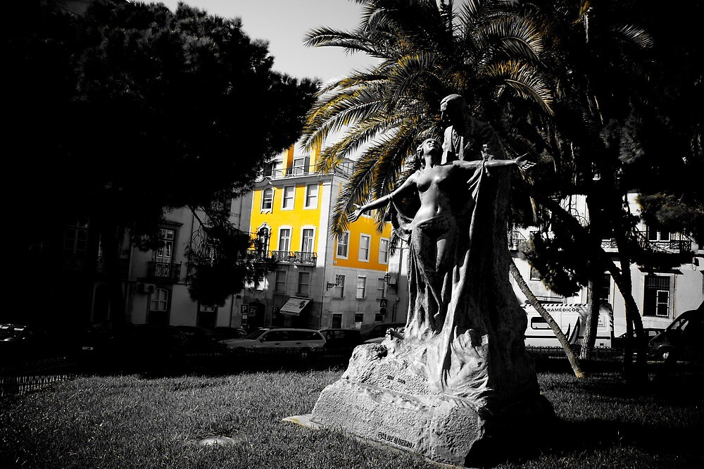 Square in Lisbon by PlanetFranck