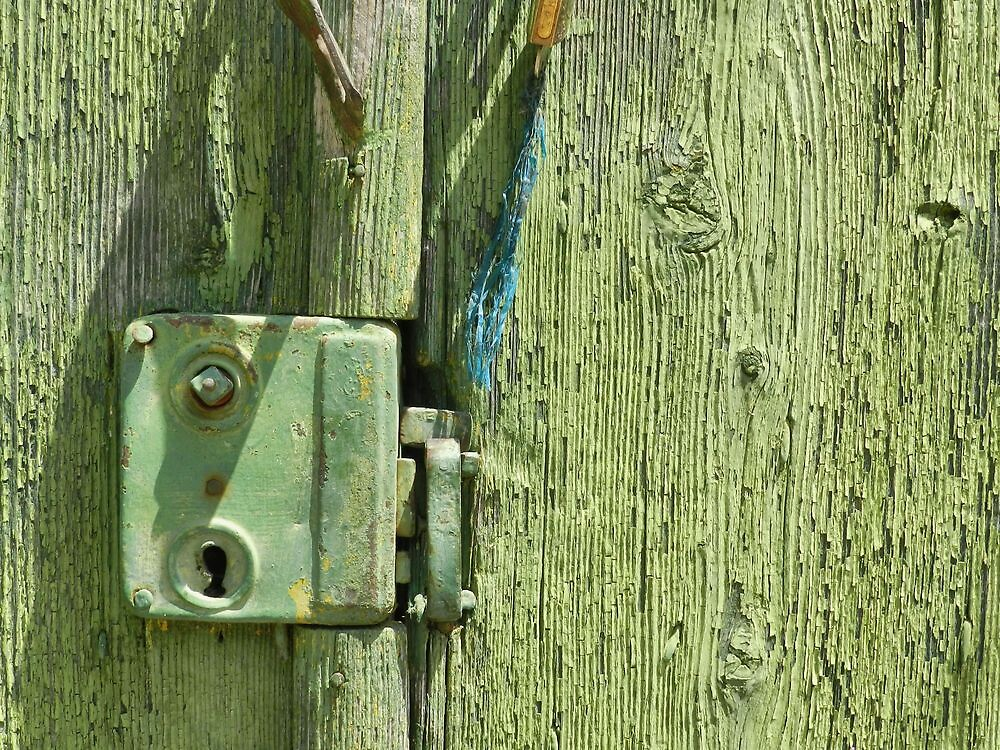Very Old Door Lock by ivDAnu