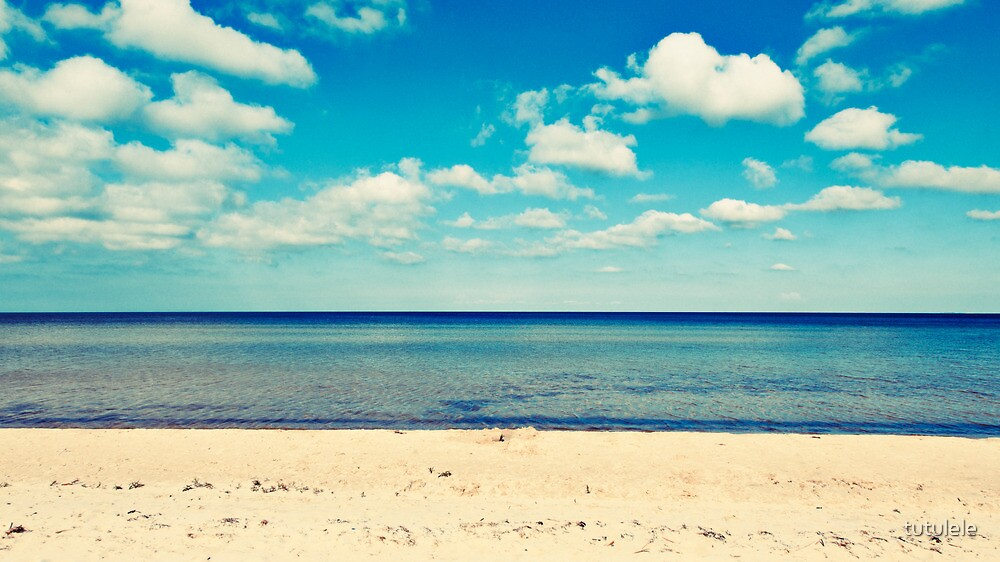 The Beach by tutulele