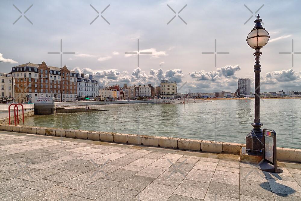 Margate seafront  by Geoff Carpenter
