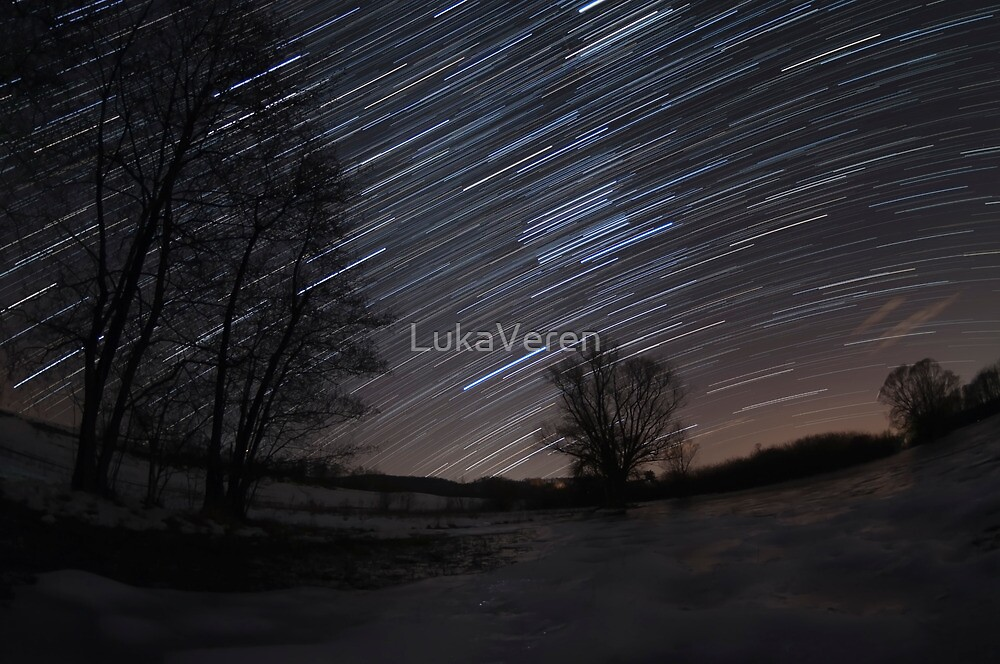 Winter night sky by LukaVeren