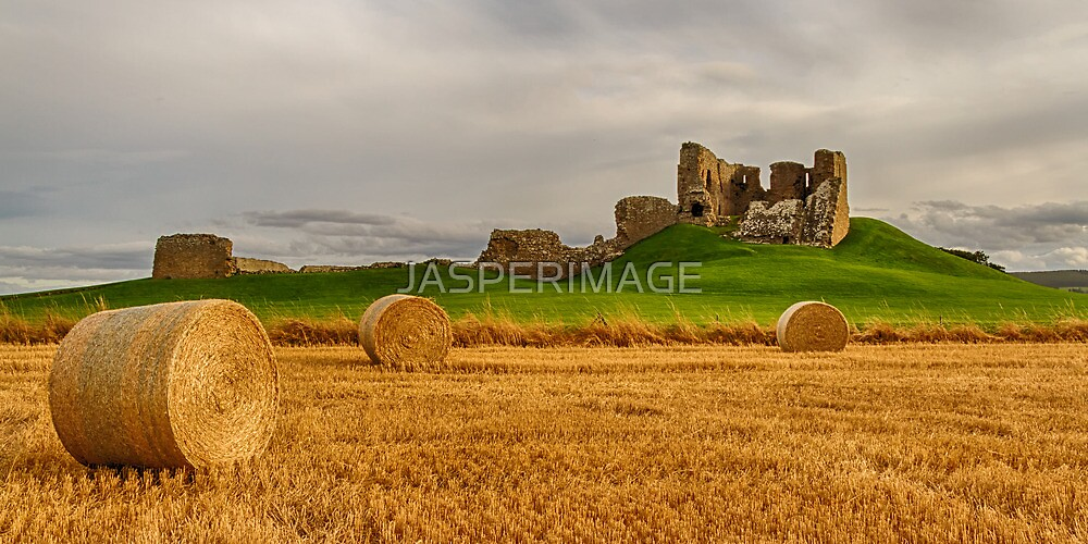 DUFFUS, THE CASTLE AT HAIRST by JASPERIMAGE