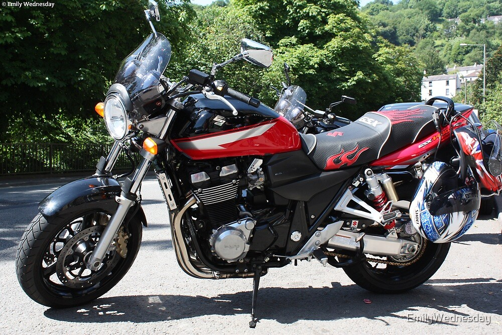 Suzuki GSX 1400 by EmilyWednesday