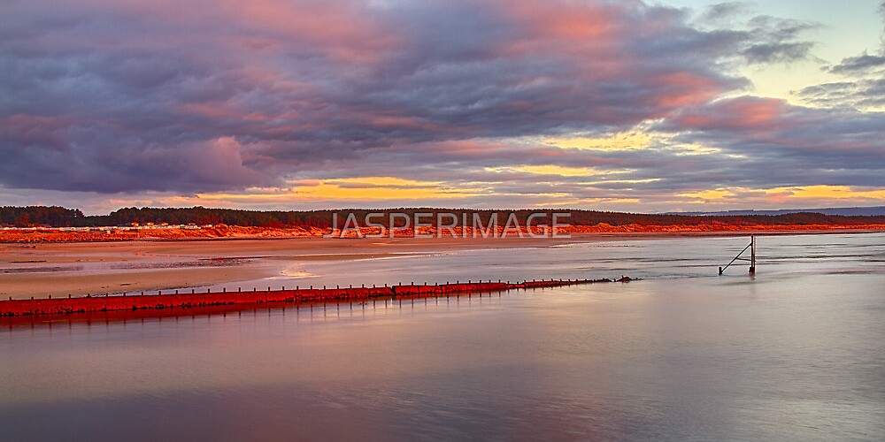BURGHEAD - HABOUR PIER VIEW OF ROSEISLE by JASPERIMAGE