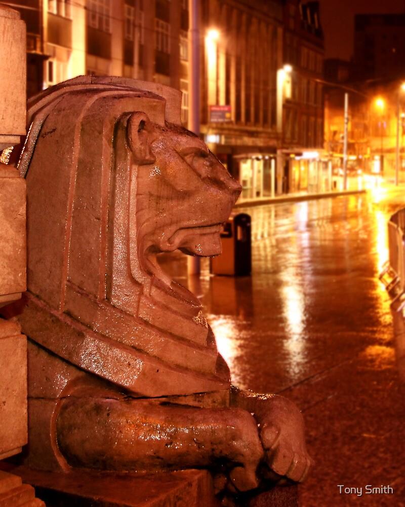 Stone lion statue by Tony Smith