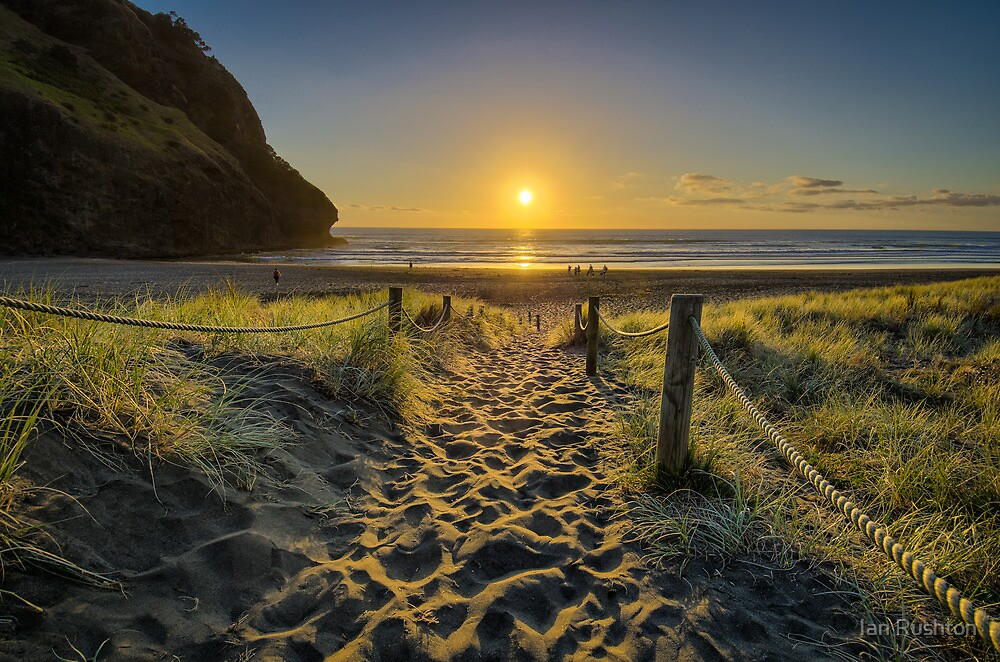Piha Sunset by Ian Rushton