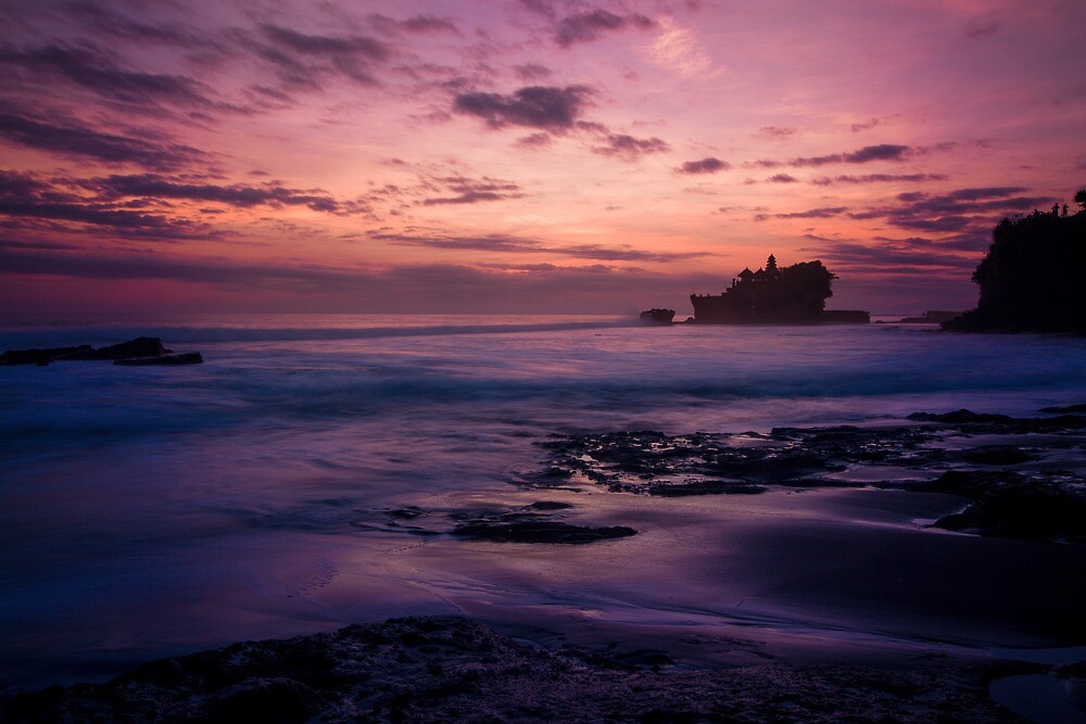 Tanah Lot Temple by andrewsparrow