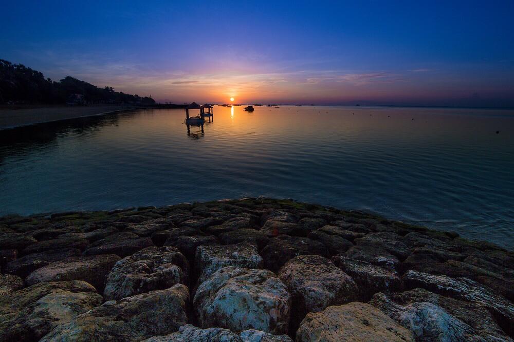 Sanur Beach Sunrise by andrewsparrow