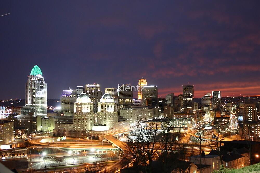 Cincinnati Ohio Skyline by klentz
