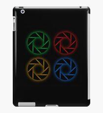 Glowing aperture iPad Case/Skin