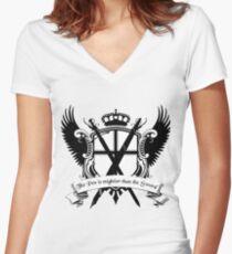 Camiseta entallada de cuello en V La pluma es más poderosa que la espada cresta