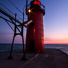 South Haven Lighthouse by naturesangle