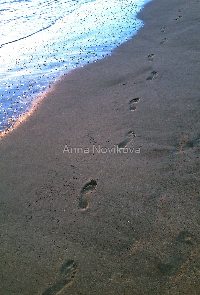 Footsteps in the sand by Anna Novikova
