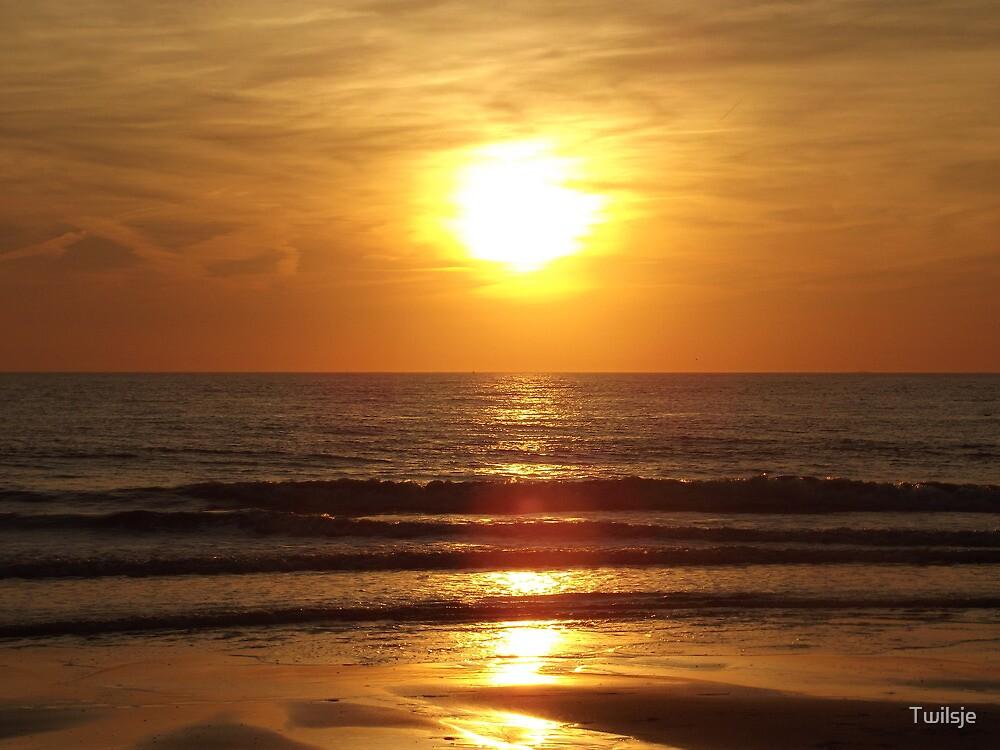 Orange sunset. by Twilsje