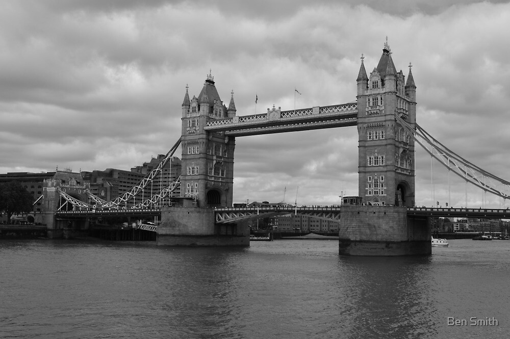 Thames In Grey by Ben Smith