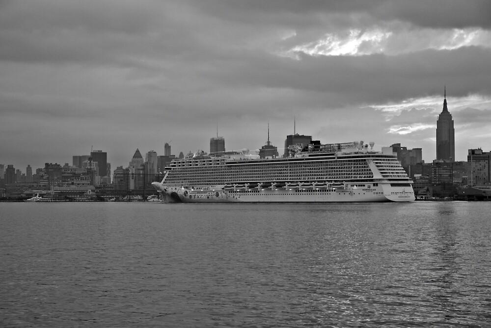 Cruise Ship Norwegian Breakaway On The Hudson Rv. by pmarella