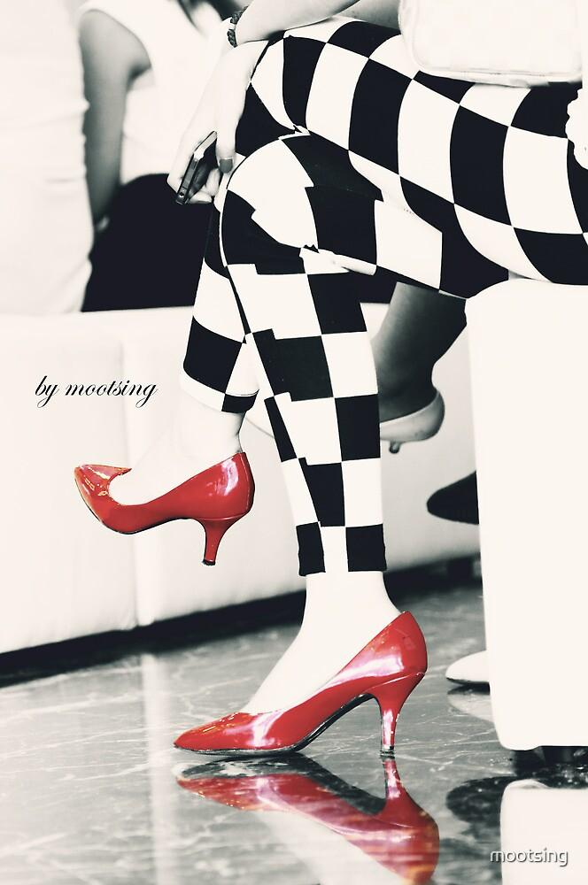 You need high heel  by mootsing