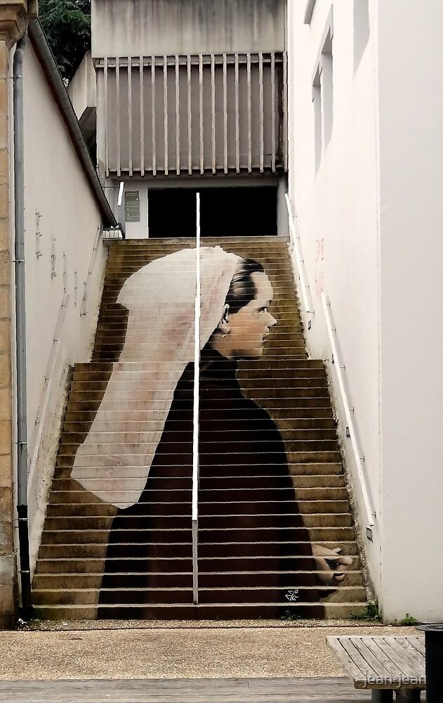 """La dame dans l'escalier..."" by jean-jean"