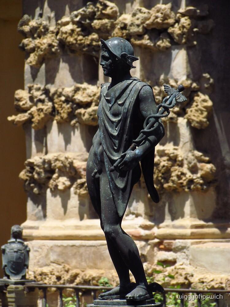 Alcazar Statue, Sevilla by wiggyofipswich