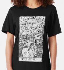 The Sun Tarot Card - Major Arcana - fortune telling - occult Slim Fit T-Shirt