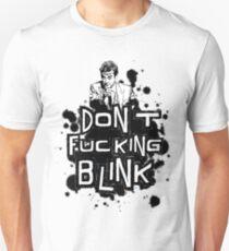 peter capaldi don't blink T-Shirt
