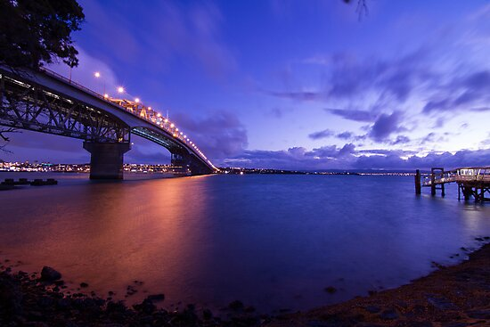 Auckland Harbour Bridge by Brian Lai