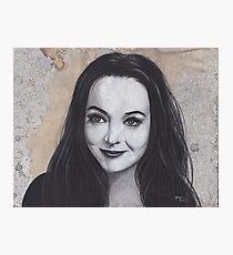 Lámina fotográfica Dibujo a carboncillo de Morticia Addams