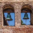 Mission Bells in San Juan Capistrano von Celeste Mookherjee