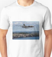 Vulcan XH558 over Dawlish Air Show Unisex T-Shirt