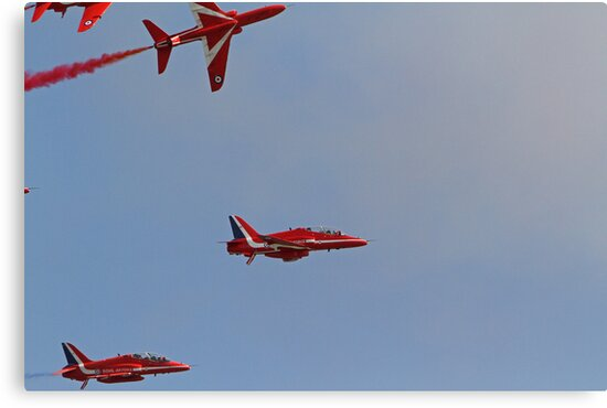 The Red arrows fly at Airbourne in Eastbourne by Keith Larby