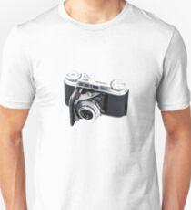 Classic Viogtlander Vito II 35mm Film Rangefinder Camera - Retro/Old/Vintage & Stylish!  Unisex T-Shirt