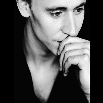 Tom Hiddleston by keirrajs