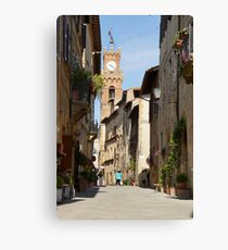 Pienza before the tourist buses Canvas Print