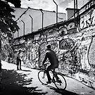 Graffiti Straat by Mick Yates