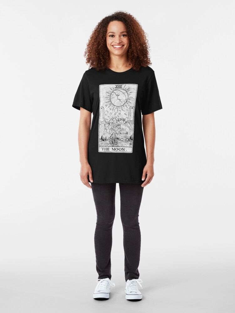 Alternative Ansicht von Die Mond Tarot Card - Major Arcana - Wahrsagerei - okkult Slim Fit T-Shirt