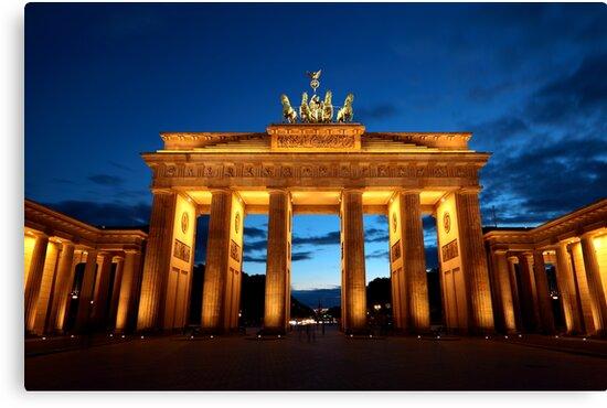 Berlin, Brandenburger Tor by Remy NININ