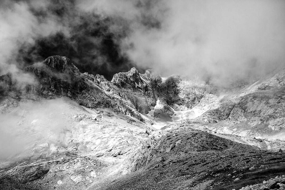 Cloud Burst by Ian Hufton
